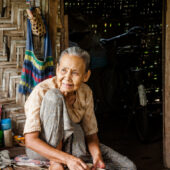 Curandera de un poblado Shan