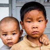 Niños en villa Pulau