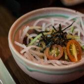 Ensalada de daikon en Bespoken Vegetarian Dining