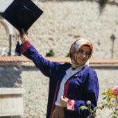Licenciada en Amasya, Turquía