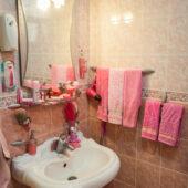 Couchsurfing en Kashan, un baño rosa único!