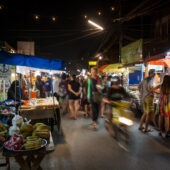 Mercado nocturno, Pai