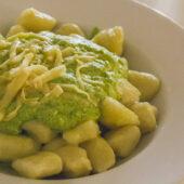 Gnocchis de patata con pesto en Dolce Vegan, Florencia, Italia
