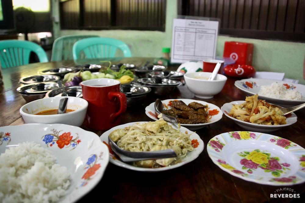 Muchos acompañamientos con un solo plato